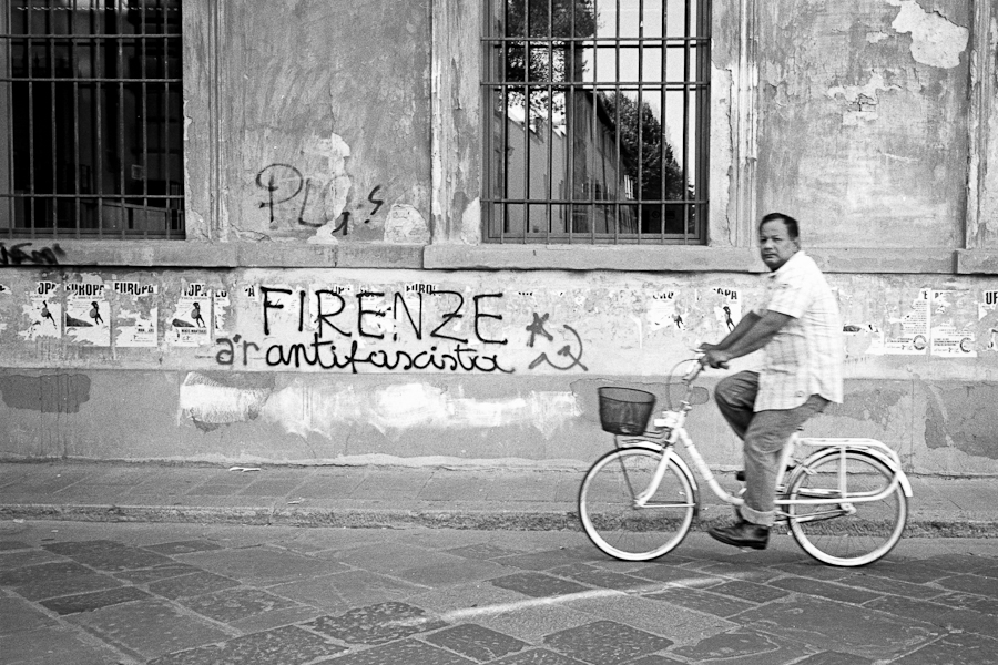 Italie planche 1 2011 1 2 Firenze Antifascista photos argentique analog