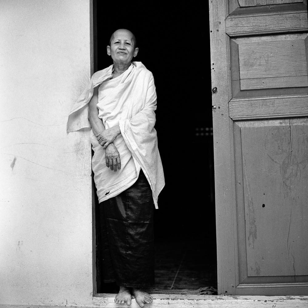 Cambodge la none blanche 8 Koh Dach : La nonne blanche portraits argentique analog